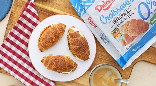 Mit Vollkorn gefüllte Croissants